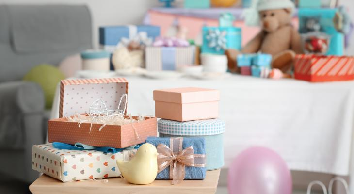 banner of Giving a Great Baby Shower Gift Shows Your Support