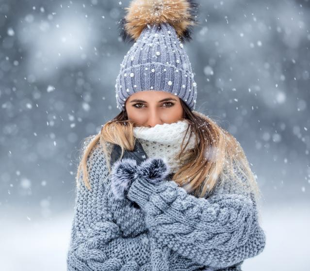 square of Women's Winter Apparel Tends To Be Beautiful But Still Keep The Wearer Warm